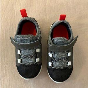 5/$25💓Carter's Sneaker
